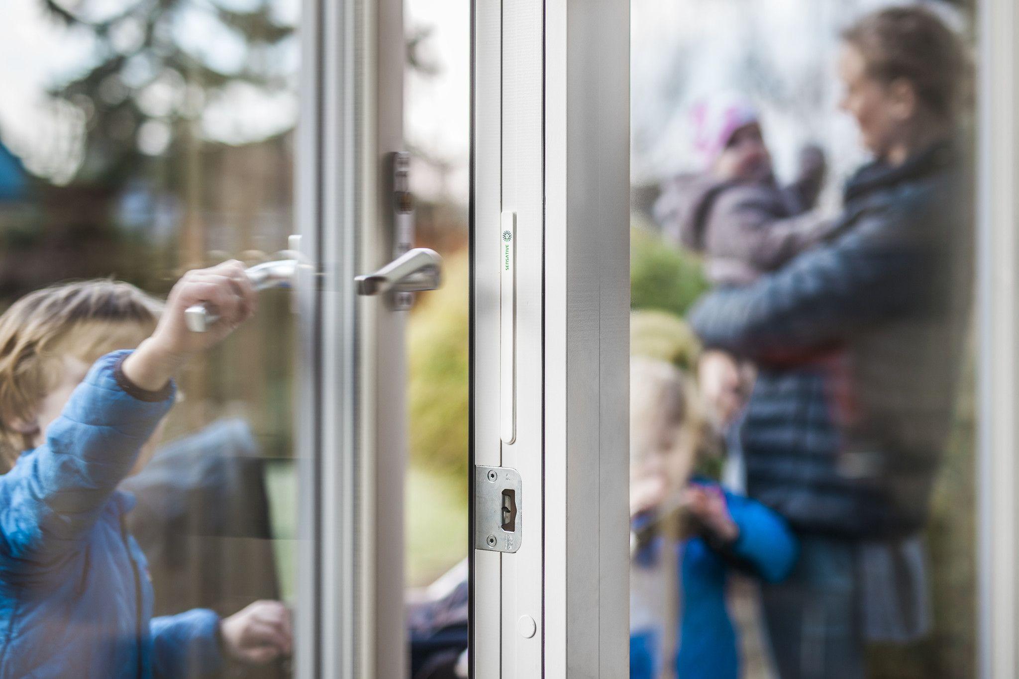 Sensative Z Wave Plus Strips Guard Invisible Door Window Sensor Smart Home Security Home Security Home Security Tips