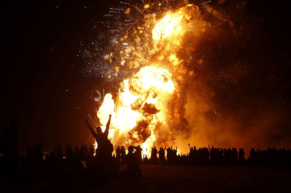 Burning Man 2014 - the people cheer, Aug 30. In Focus - The Atlantic