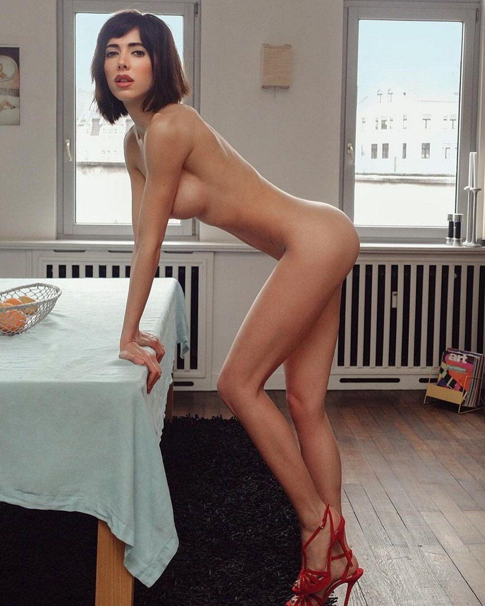 Hot naked girls dp-9450