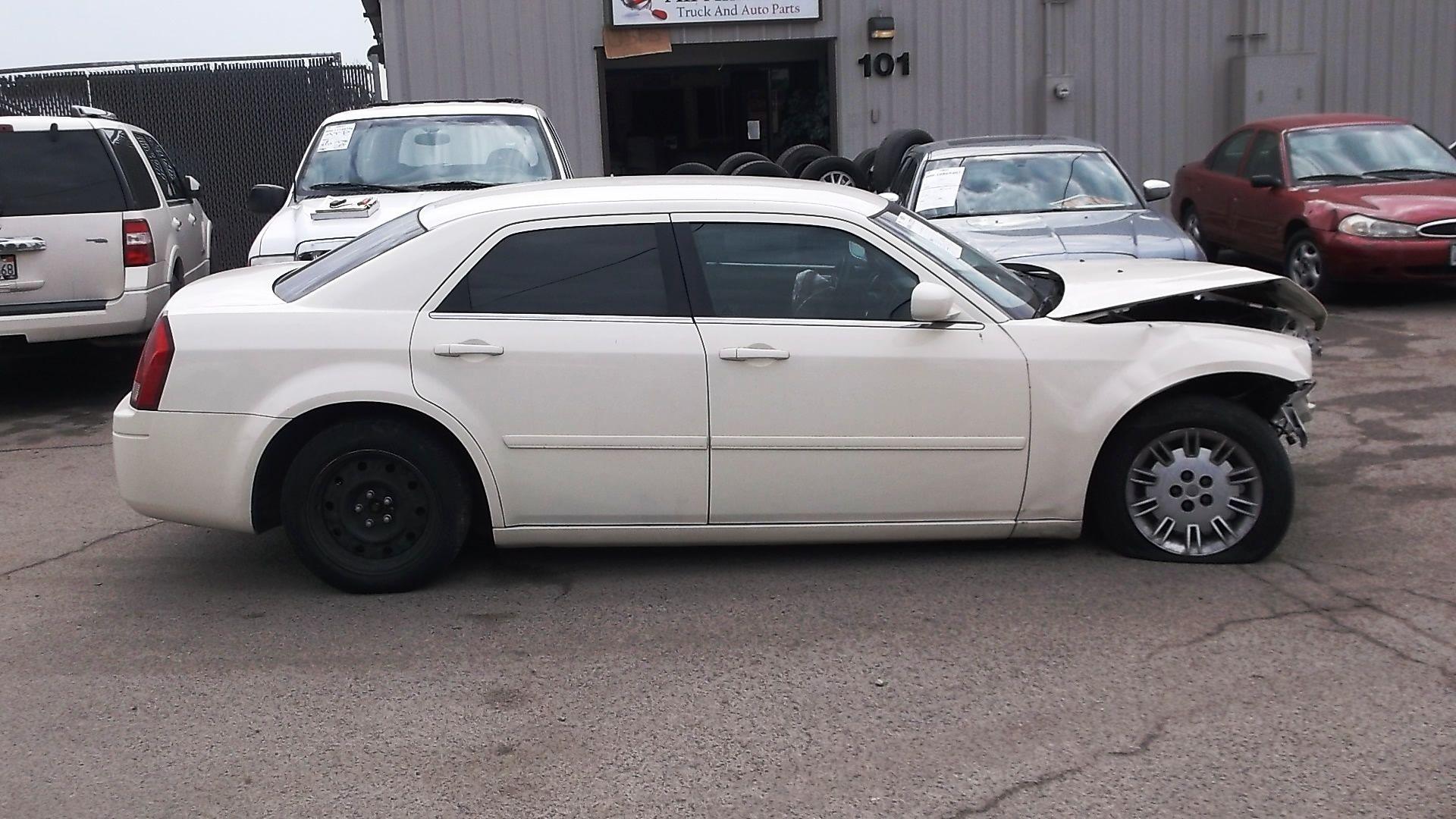 2005 Chrysler 300 Base 2 7l 81k Miles Ball Joint Brake Pads Brake