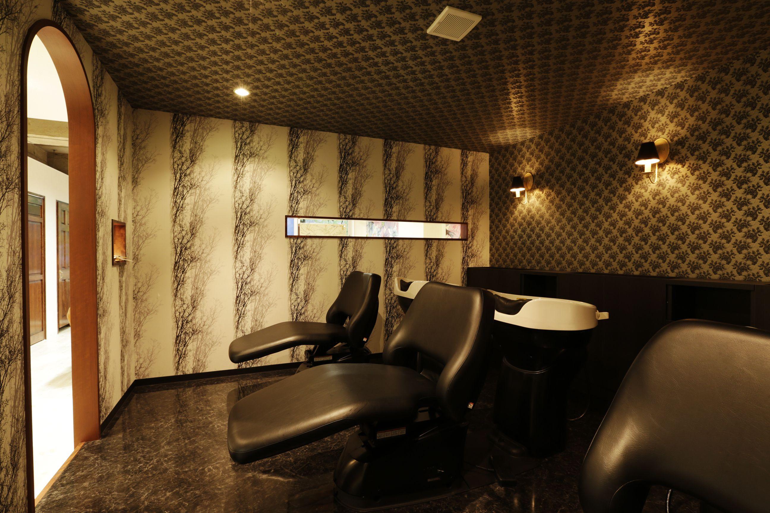 Beauty salon interior design ideas |  + shampoo + space + decor + Japan + designs  | Follow us on https://www.facebook.com/TracksGroup <<<【shine hair latte シャンプーエリア】 美容室 内装