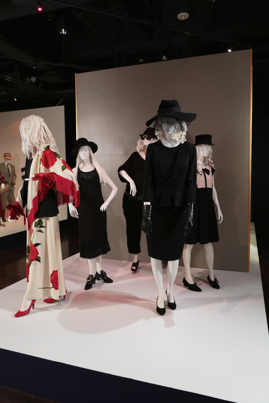 American Horror Story Coven Costume Designer Lou Eyrich Fidm S 8th Annual Outstanding Art Of Television Cost Costume Design Witch Outfit Frock And Frill