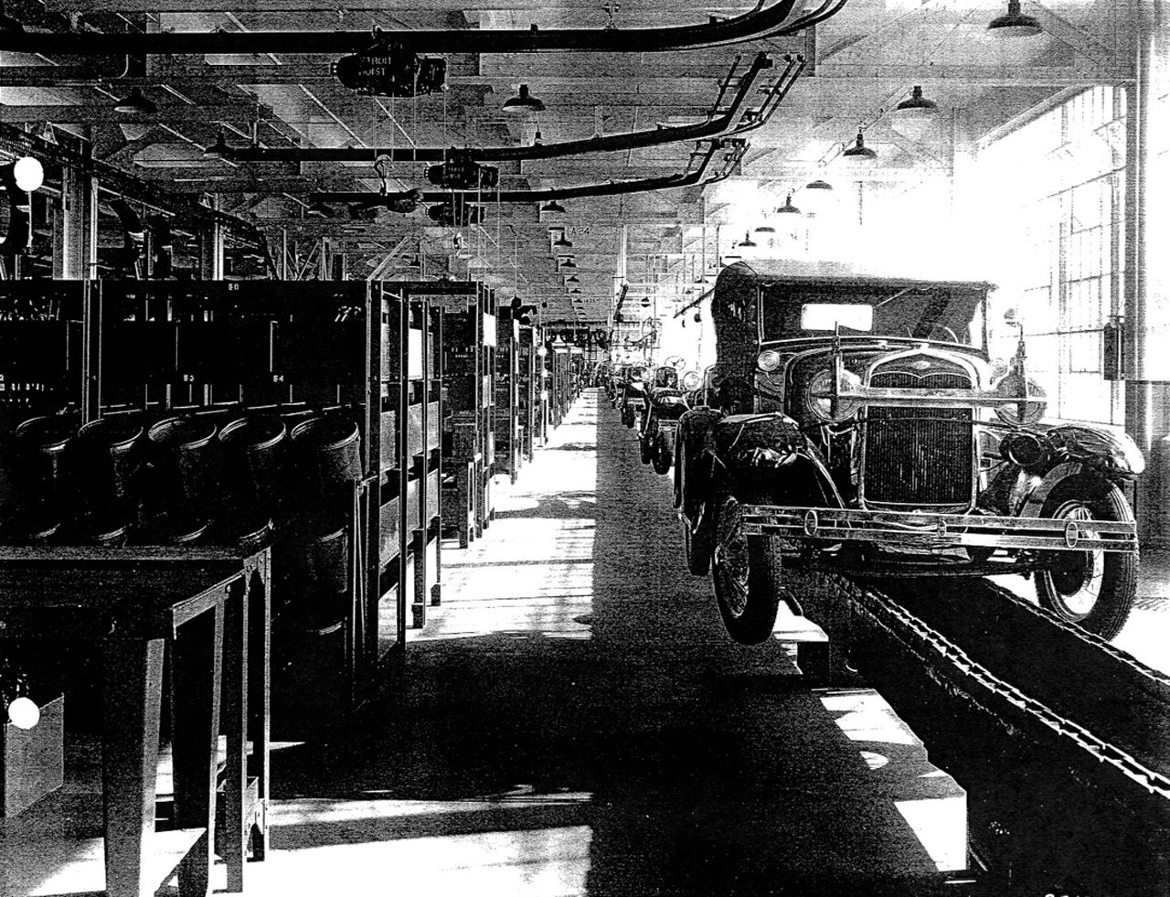 henry ford invented the assembly line the assembly line is where a product is made one step at. Black Bedroom Furniture Sets. Home Design Ideas