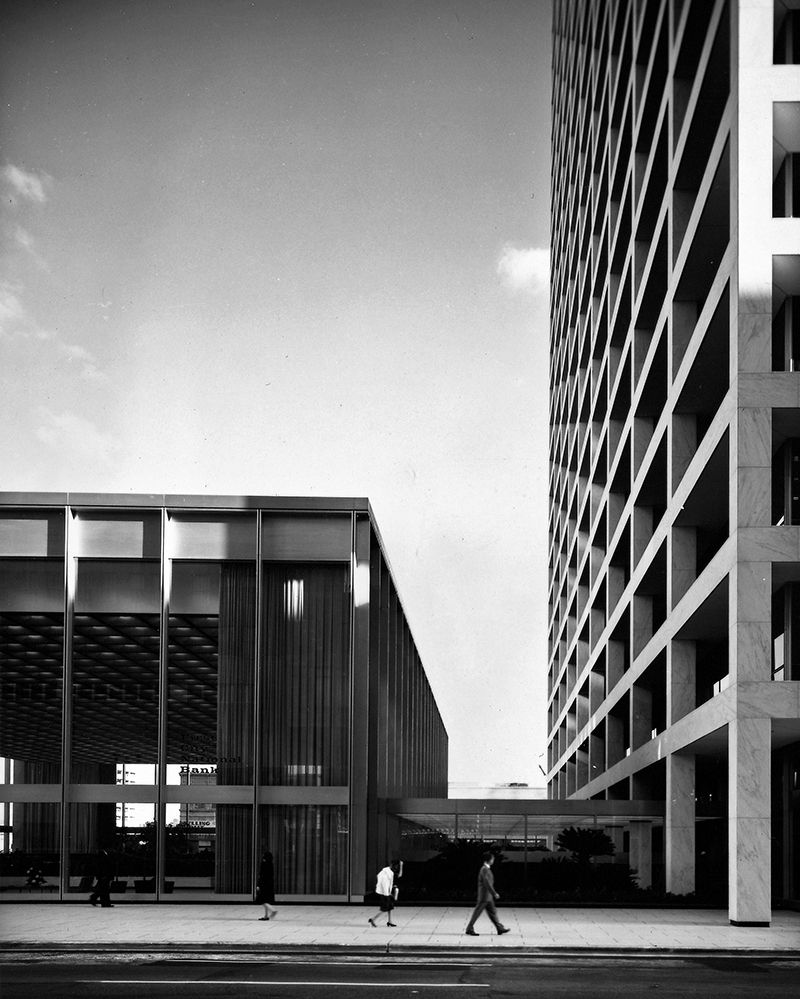 Throwback Thursday First City National Bank When Completed In 1961 The First City National Bank Complex In Houston Connected Som Architecture Modern Buildings Modern Architecture