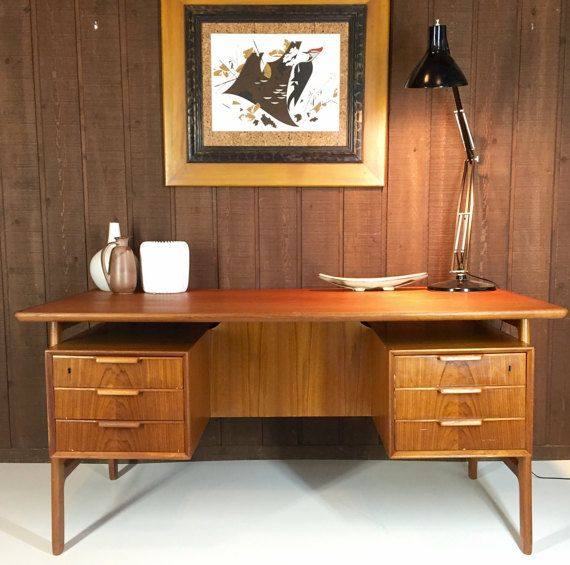 Splendid Mid Century Danish Modern Model 75 Executive Desk Dating From The 1960s This Vintage Desk Features Six D Open Bookshelves Vintage Desk Storage Spaces