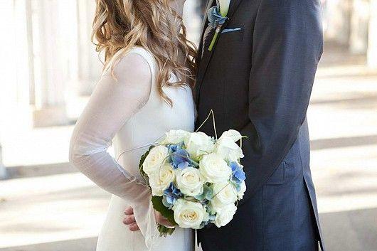 https://blumen-koch.de/de/galerie/1/hochzeit-wedding  Love - Love - Love !