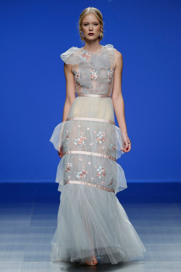 Marco and maria collection flies away brides and barcelona