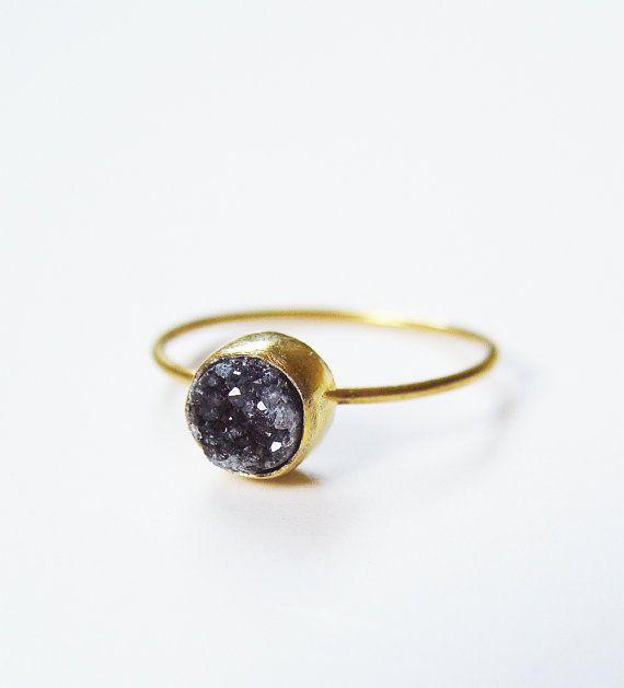 ON SALE Black Druzy Gold Ring OOAK von friedasophie auf Etsy