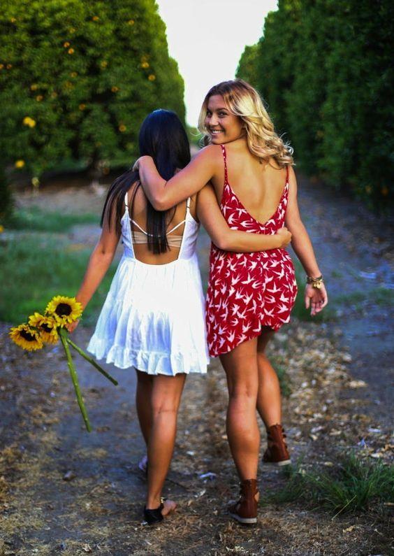 Красивые девушки: Улыбка красоты | Позы лучших друзей