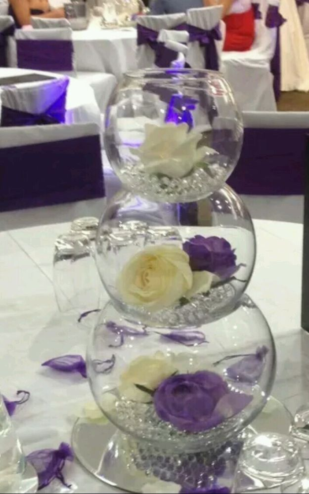 Set of fish bowls for wedding table decorations