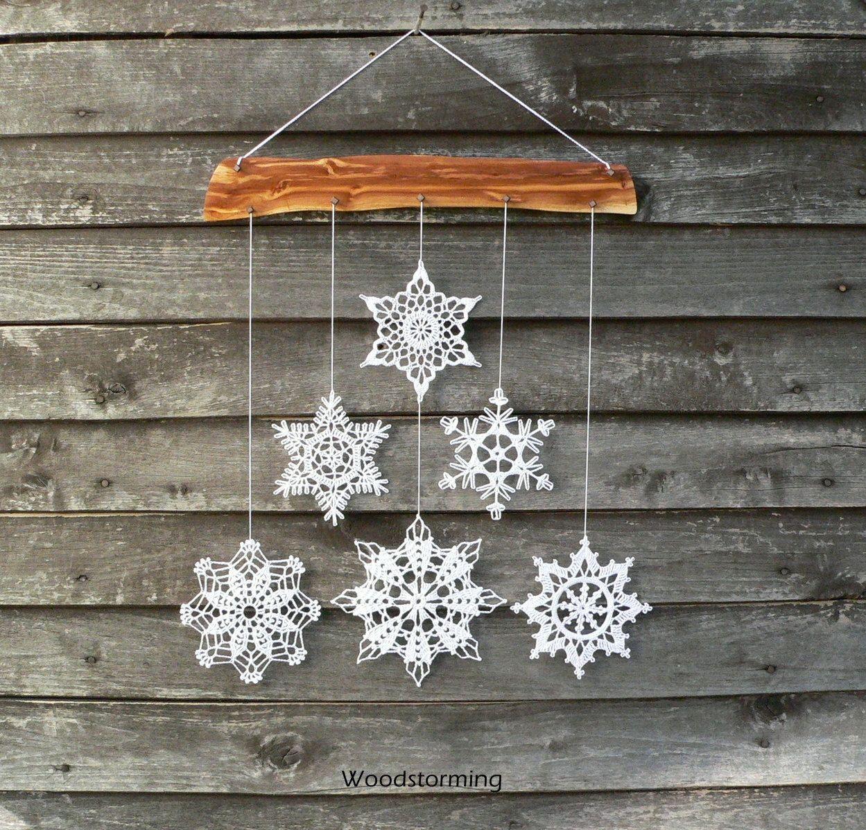Weihnachten deko schneeflocken mobile von woodstorming auf etsy christmas pinterest - Decoration au crochet ...
