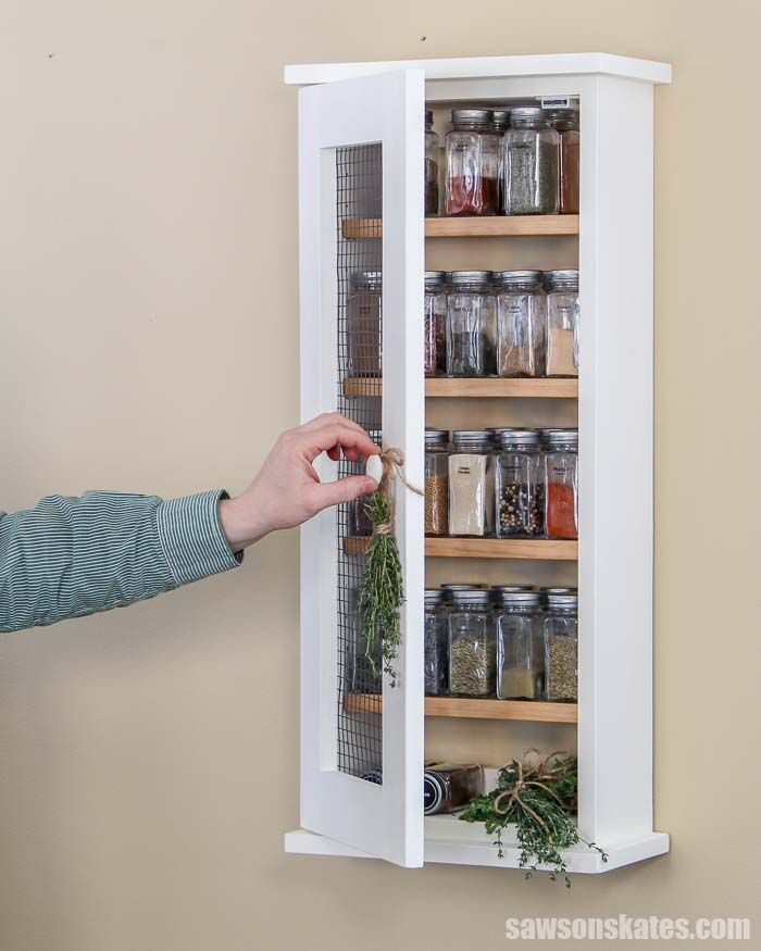 Wall Mounted Wooden Spice Rack Plans: Easy Wall-Mounted DIY Spice Rack