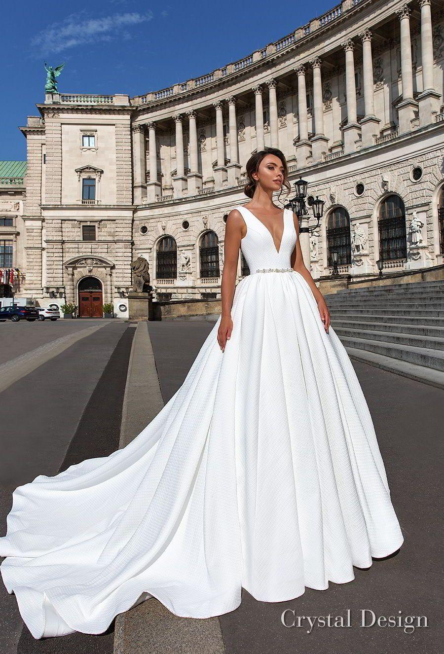 Crystal design sleeveless deep v neck simple princess elegant