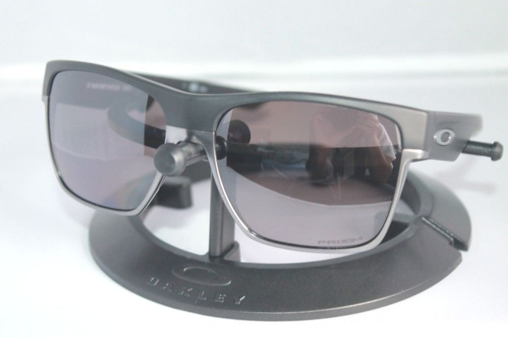 6553e4e56ab NEW Oakley Twoface XL POLARIZED Sunglasses OO9350-02 Matte Black W  Prizm  Daily