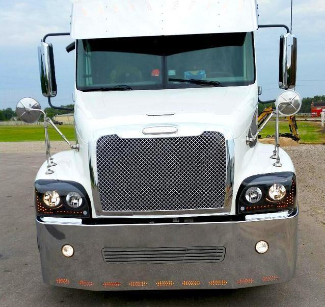 22 Freightliner Century Columbia Chrome Bumper Fits Century 2005 2007 Columbia 2003 2007 Wrap Around Large Cen Freightliner Big Rig Trucks Truck Bumpers