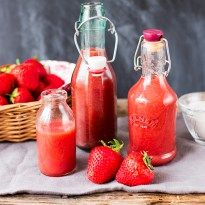 Simple Strawberry Sauce - Nicky's Kitchen Sanctuary
