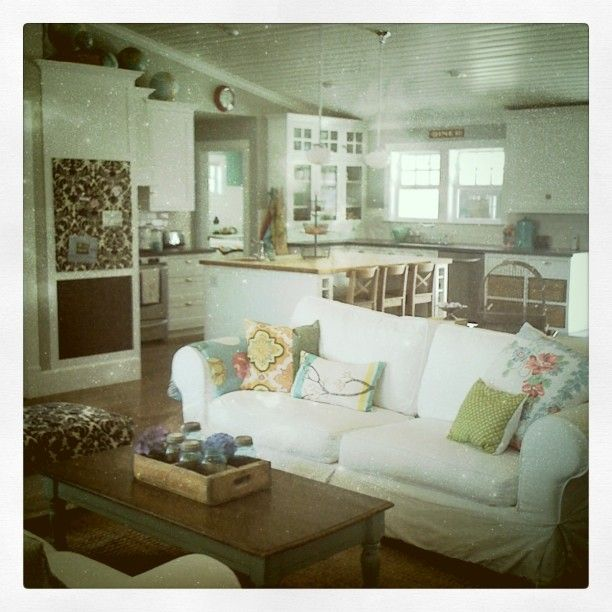 Her house is AMAZING. {Lindsey Cheney}