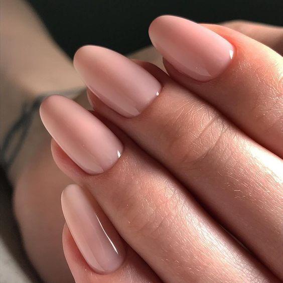 Más de 60 diseños de uñas desnudas para una mirada elegante IDEAS