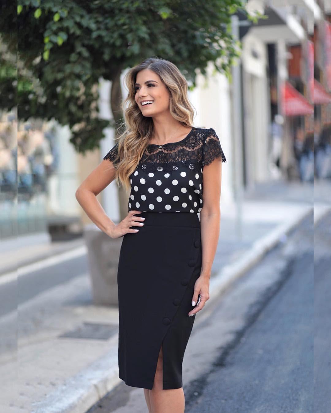 87b28520b3 🖤 🅟   ⓑ 🖤 Linda  arianecanovas veste Blusa de Poá com Renda ...