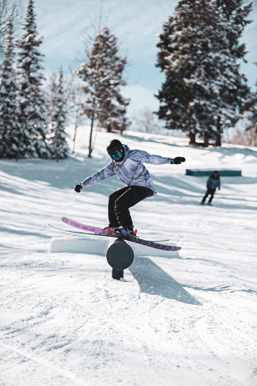 Skier In Snow Park In 2020 Skiing Ski Girl Skiing Photography
