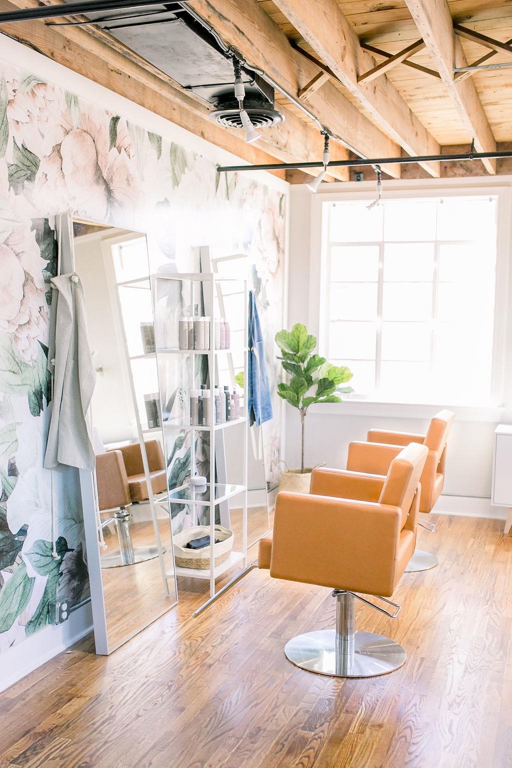 Fabulous Pampered Pretty In Charleston Sc Vagaro Salon Spa Interior Design Ideas Grebswwsoteloinfo