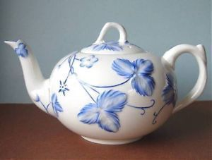 Minton Victoria Strawberry Blue Teapot Embossed Vine Motif Made in England New - Minton