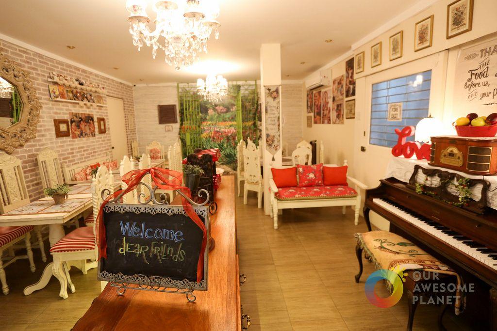 KAREN\'S KITCHEN KAPITOLYO: Love-themed Restaurant and Best Dessert ...