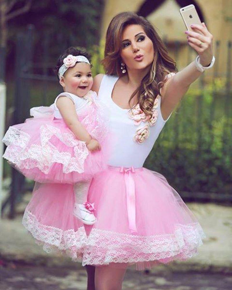 c7e5d9a83e27 madre e hija vestidas igual fiesta - Buscar con Google | madres e ...