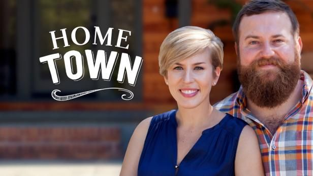 Erin And Ben Napier Love Their Small Mississippi Hometown Especially The Old Historical Houses Using Found Materials And Old Home Town Hgtv Erin Napier Hgtv