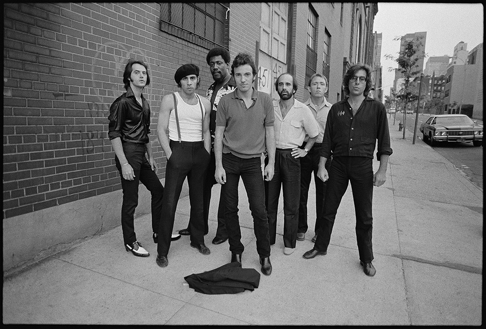 Joel Bernstein: Bruce Springsteen with the E Street Band - Looking tough
