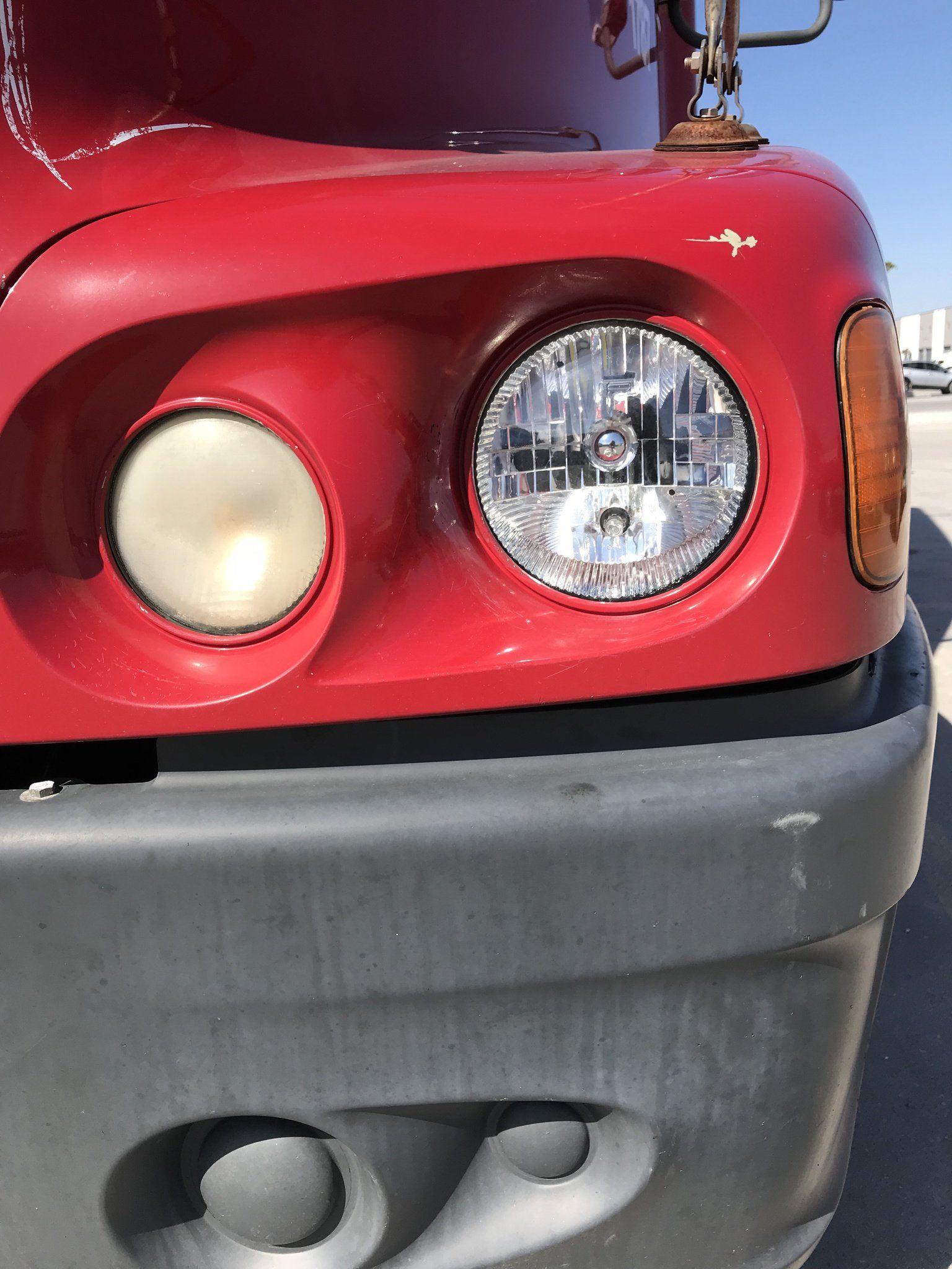 Freightliner Century Driver Passenger Side Replacement Headlight Assembly 2005 Replacement Headlights Freightliner Headlight Assembly
