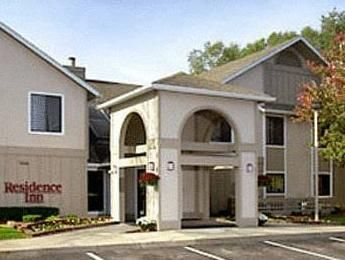 Portage (MI) Residence Inn Kalamazoo United States, North America Located in Portage, Residence Inn Kalamazoo is a perfect starting point from which to explore Portage (MI). The hotel has everything you need for a comfortable stay. Service-minded staff will welcome and guide you at the Residence Inn Kalamazoo. Each guestroom is elegantly furnished and equipped with handy amenities. The hotel offers various recreational opportunities. Friendly staff, great facilities and close ...