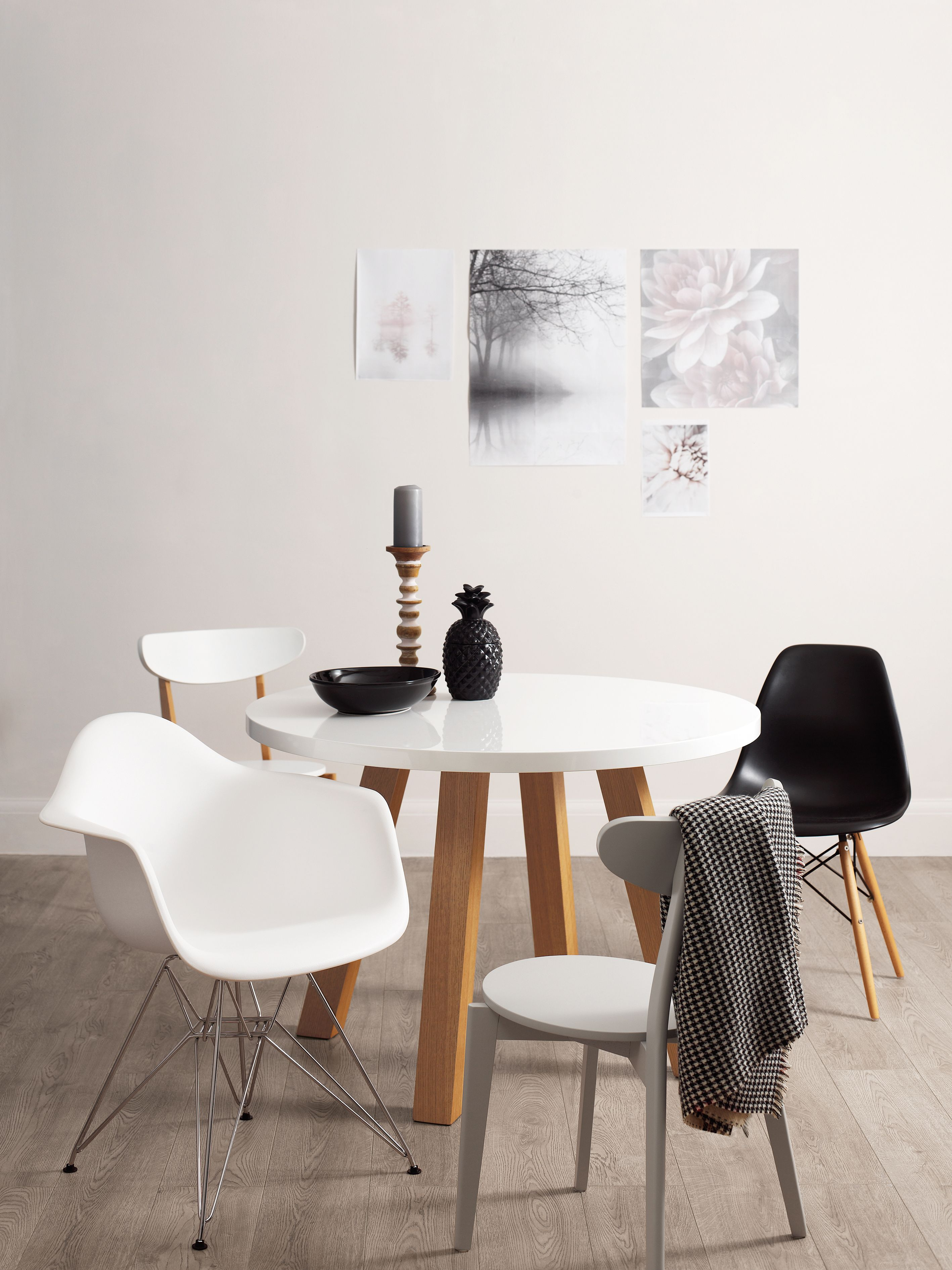 Curva Round White Gloss Extending Dining Table