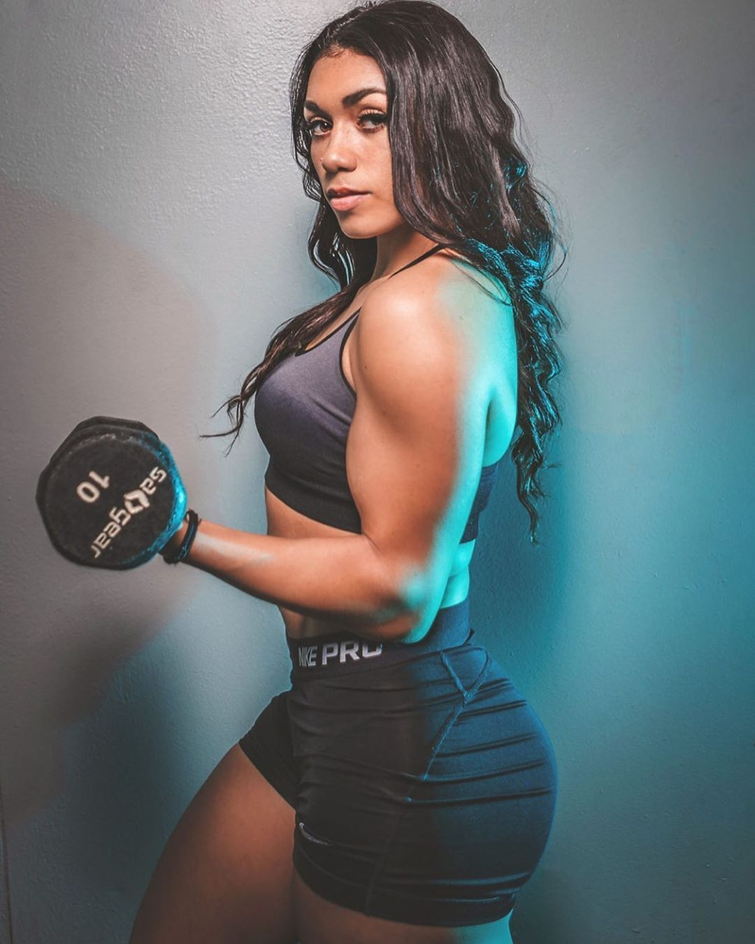 Who wanna get fit with me? 💪🏽 ——————————————— 📸: @robbatista_studios  #fitlife #fitness #fitnesskc #...