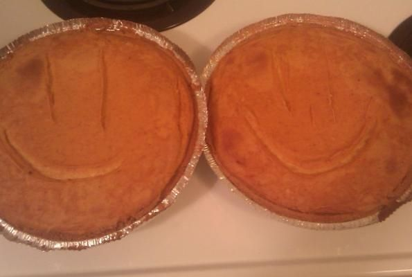 Easy Pumpkin Pie Cheesecake - http://www.veganbakingrecipes.com/easy-pumpkin-pie-cheesecake-recipe/  #vegan #recipes