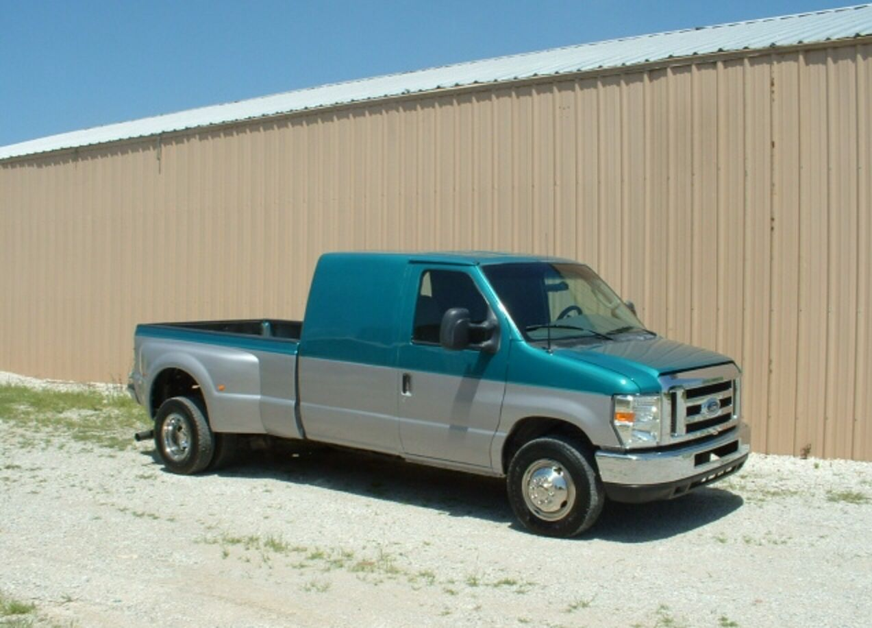 An E 350 Tow Rig With Images Ford Van Big Trucks Custom Vans