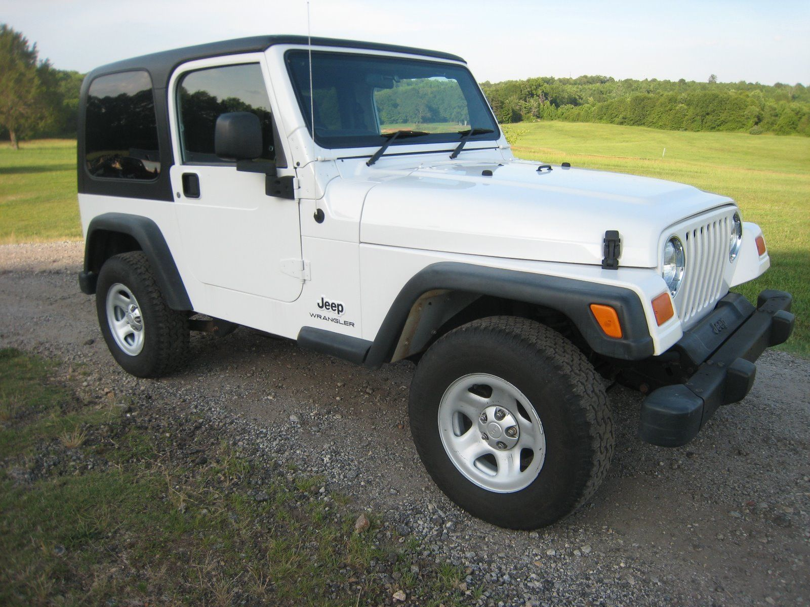 Car brand auctioned Jeep Wrangler Right Hand Drive 2004 Car model