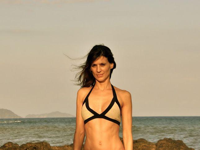 Perrey reeves bikini, hidden blow job pics