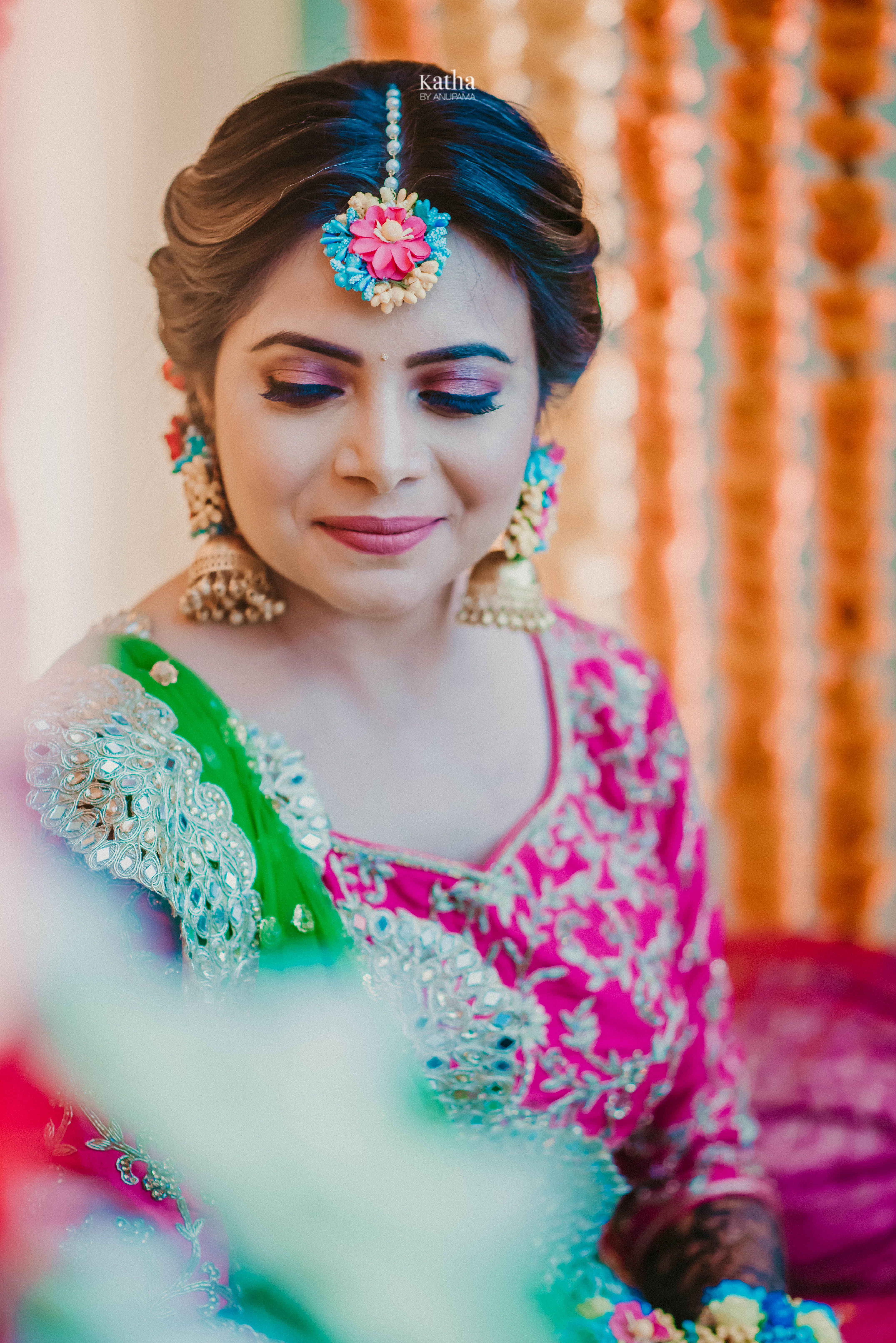 Simple yet beautiful makeup for different wedding