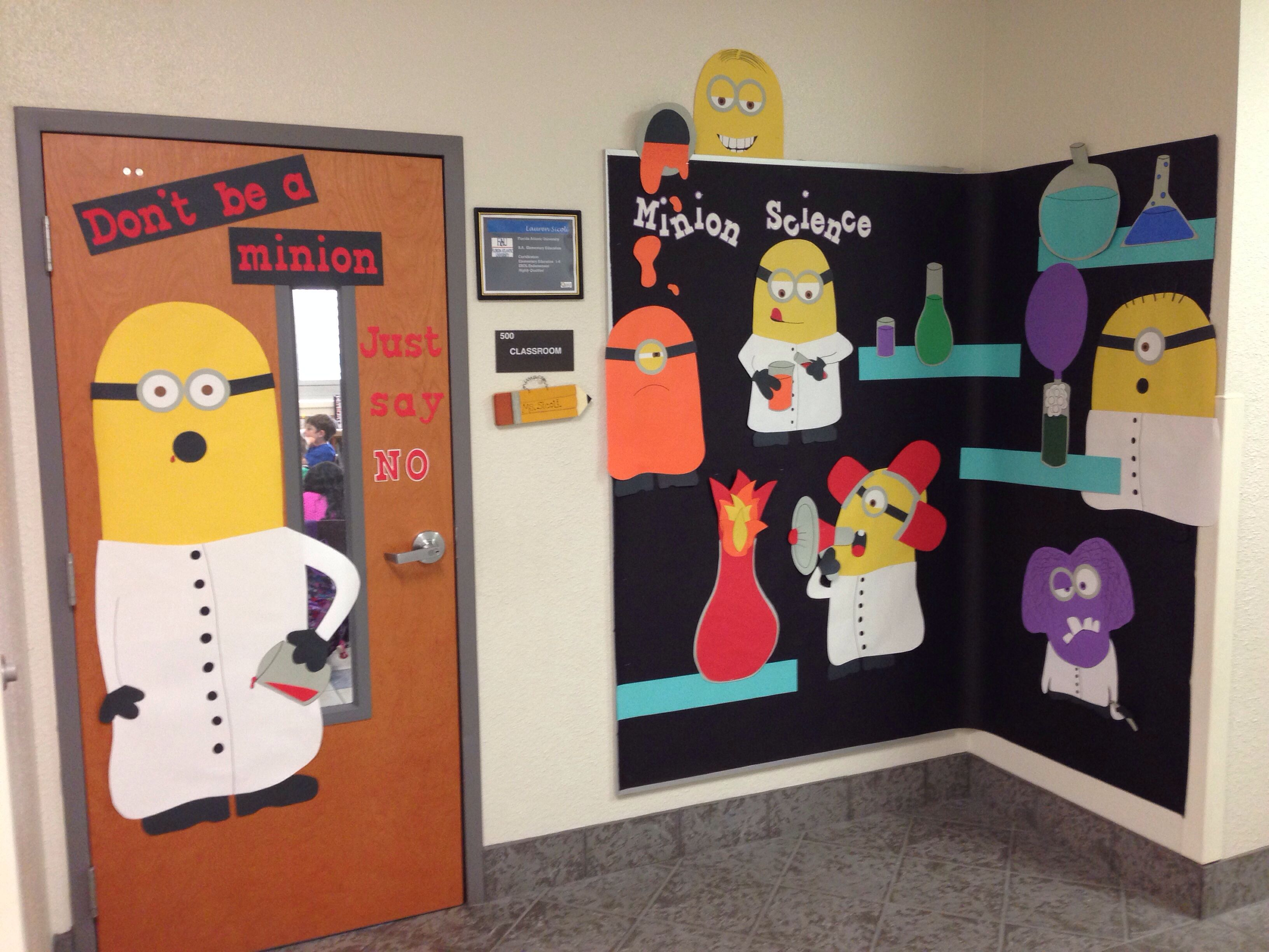 Minion bulletin board and door good for posting what not for Art classroom decoration ideas