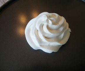 Gelatin Free Stabilized Whipped Cream #stabilizedwhippedcream