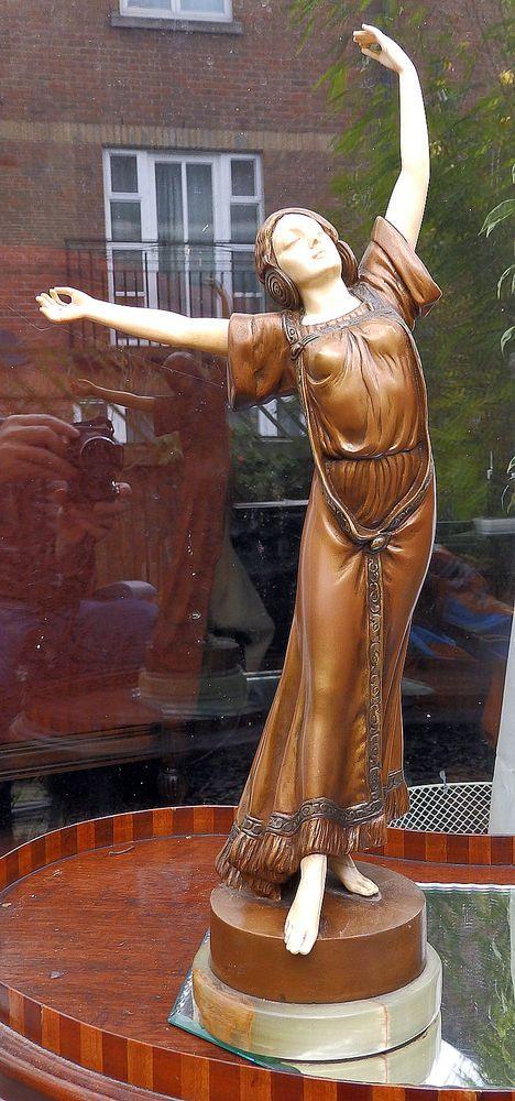 Art Nouveau Bronze : A fine & large Bronze Dancer / Maiden