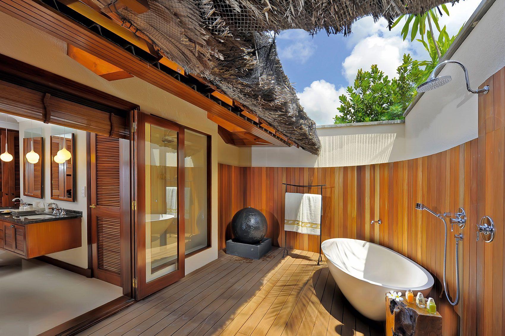 Bathroom http://www.homedsgn.com/2014/01/03/the-constance-lemuria ...