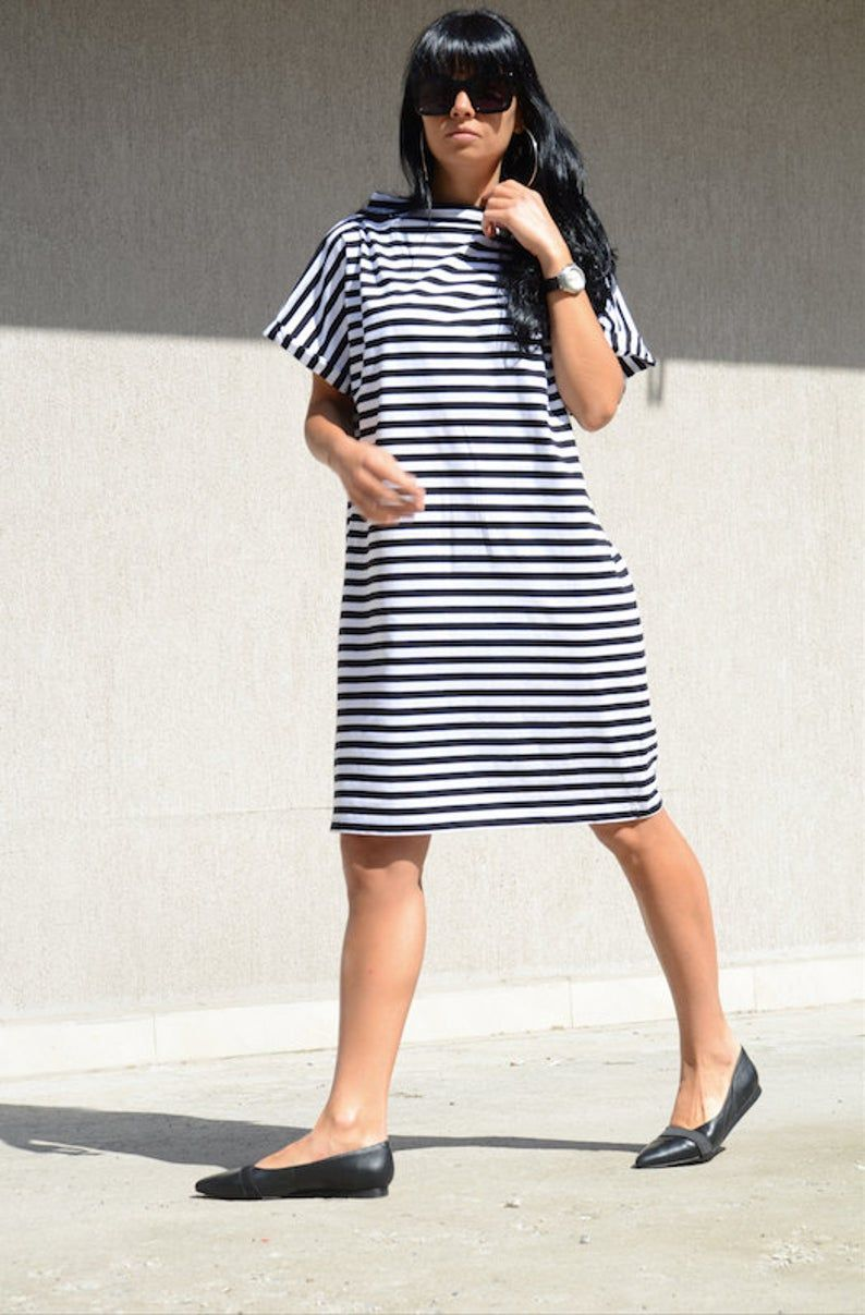 Scandinavian Style Dress For Summer Days Loose Fitting Mid Knee Dress With Short Sleeves Shift Black And White Dress Simple Striped Top Knee Dress Loose Fitting Dresses Soft Dress [ 1207 x 794 Pixel ]