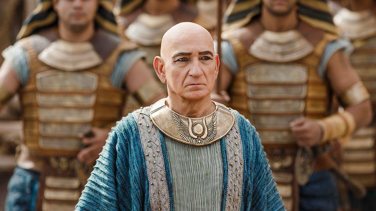 Ben Kinsley interpreta a 'Vizier Ay', uno de los ...