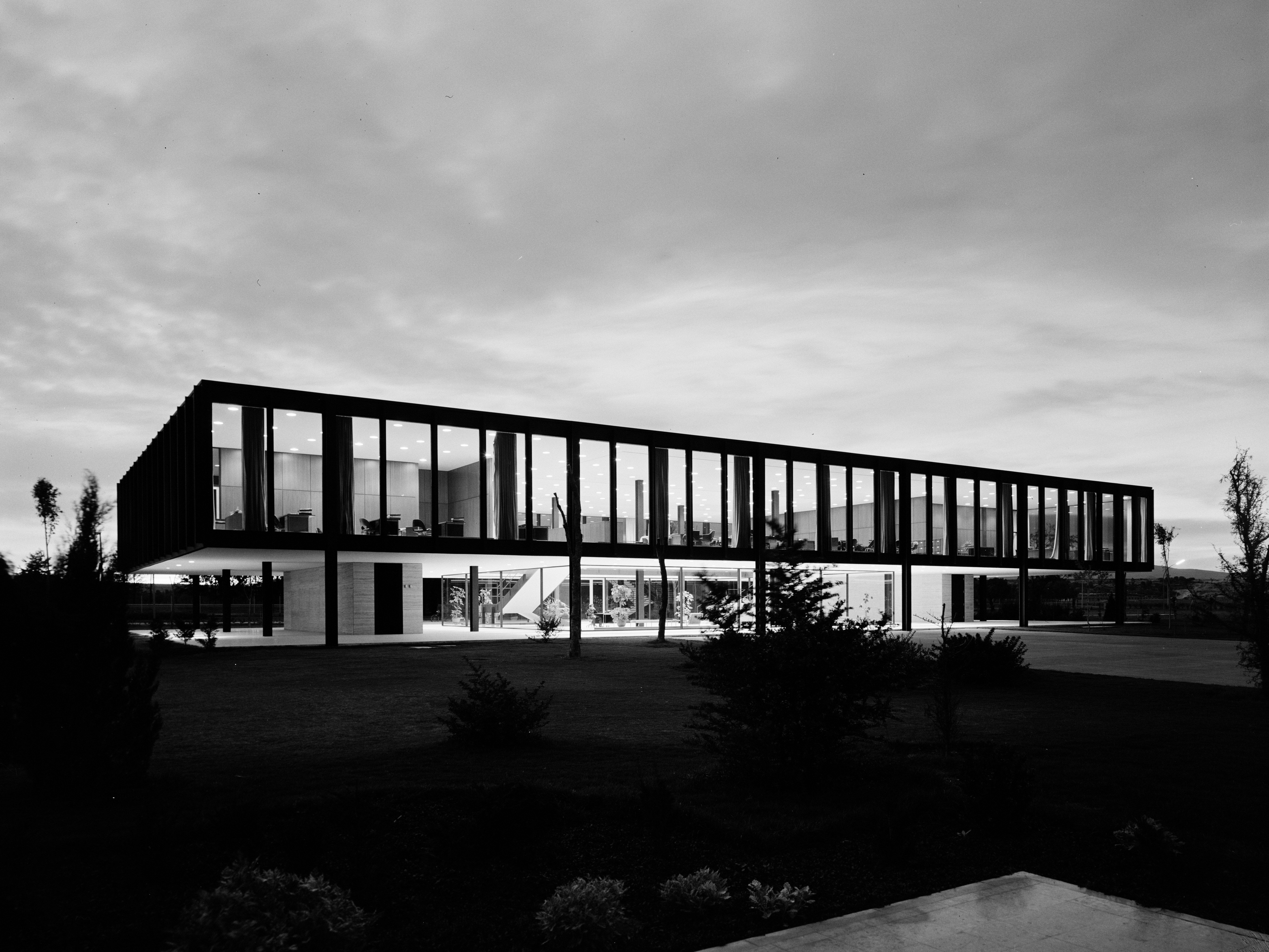 The Secret History Of Bacardi Significant Buildings Behind Your Favorite Rum Ludwig Mies Van Der Rohe Mies Van Der Rohe Architecture Landmark