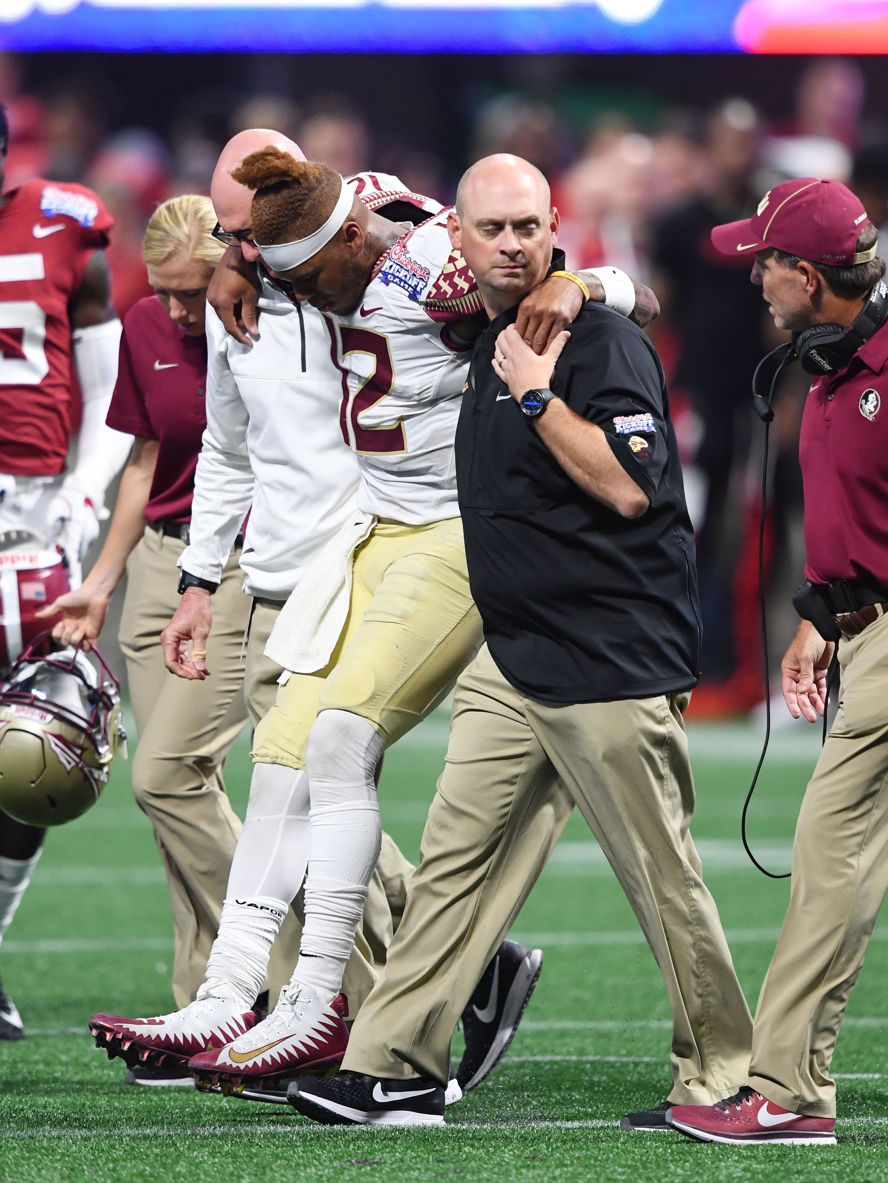 Florida State Apos S Season Could Turn On Deondre Francois Apos Injured Knee Seasons Turn Ons Fsu