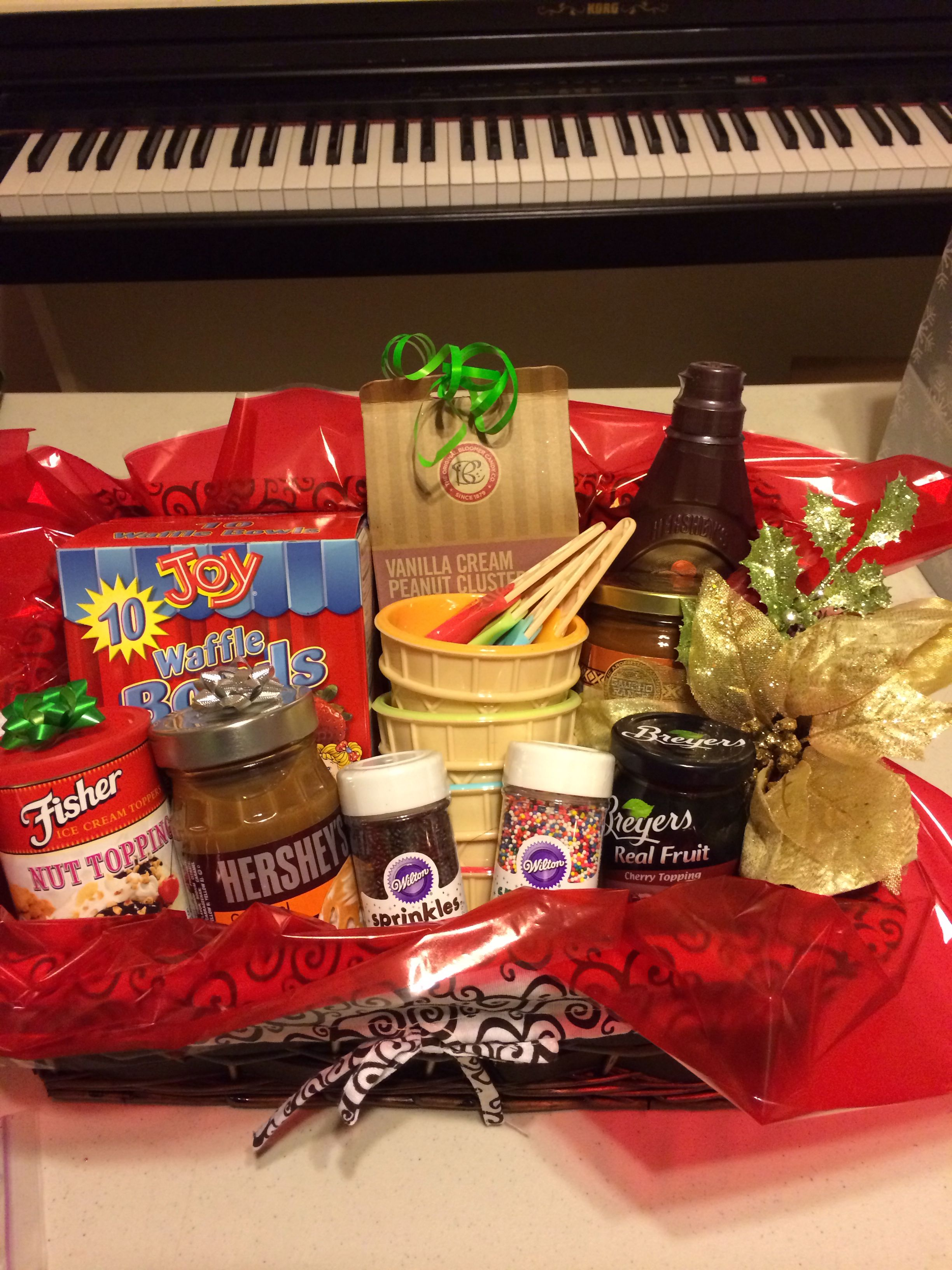 Inexpensive Gift For Entire Family Ice Cream Social Basket Family Gift Baskets Christmas Gift Baskets Diy Gift Baskets