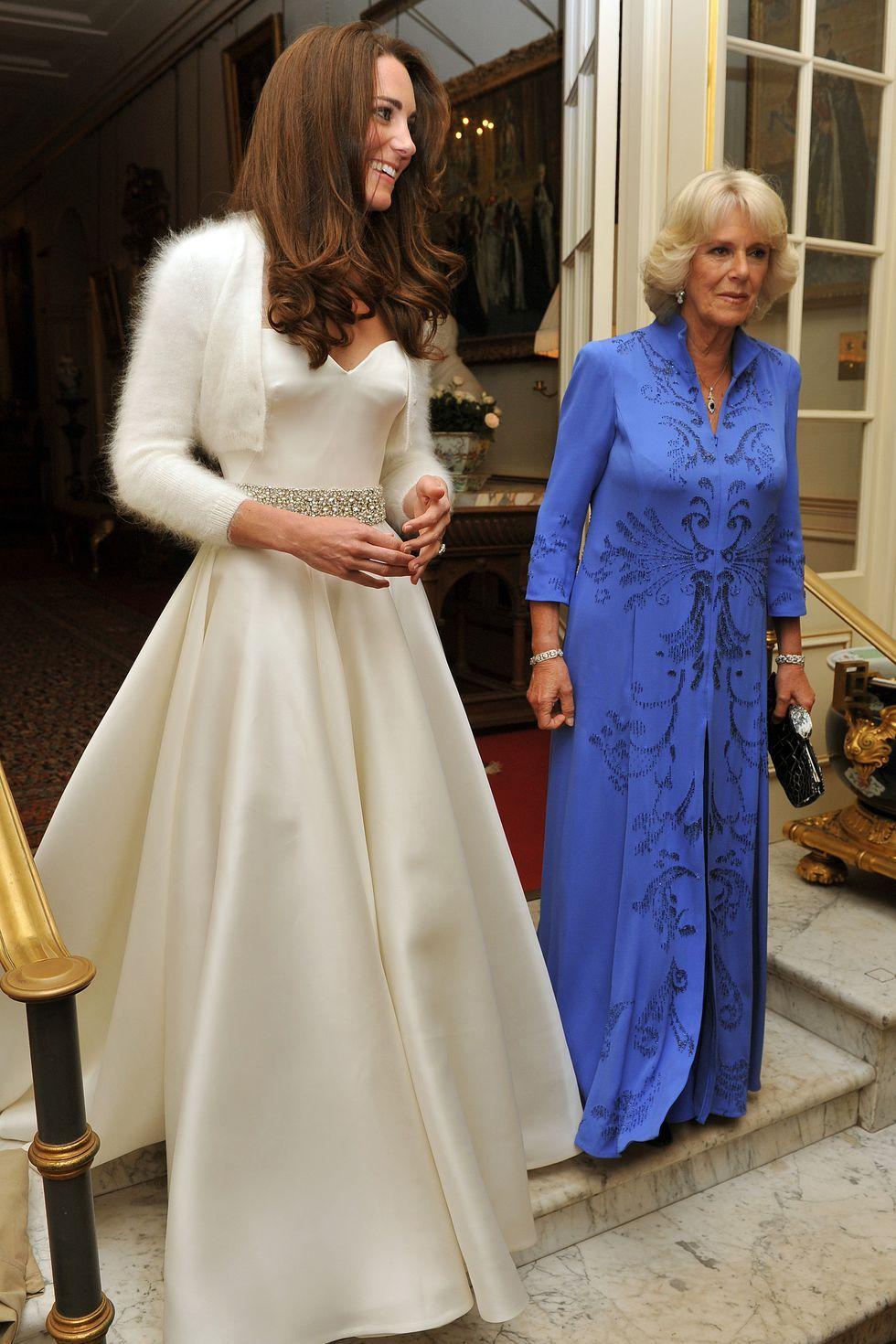 Sarah burton wedding dress   Hidden Details You Didnut Know About Kate Middletonus Wedding