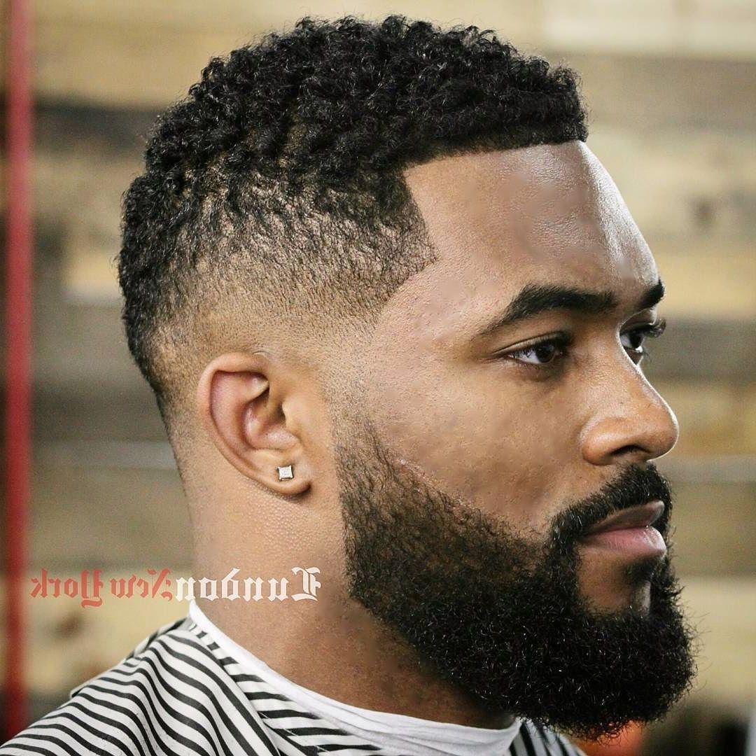 11 Frisuren + Haarschnitte für schwarze Männer  Lange Locken